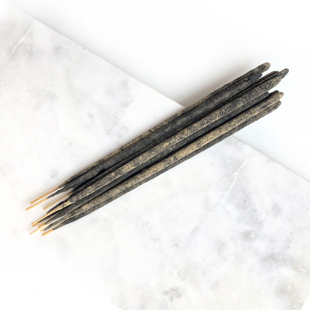 Hand-roll patchouli incense Wild Harvest Botanicals - 1